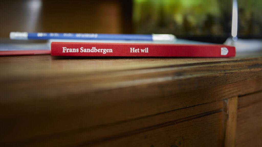 Het boek Het Wil met potlood